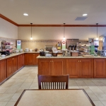Country Inn and Suites Buffalo South - Breakfast